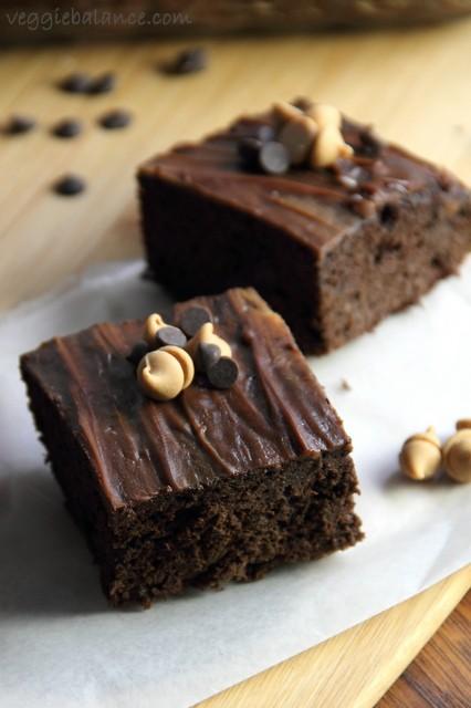 Peanut Butter Brownies - Veggiebalance.com