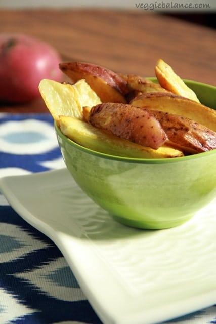 Healthy Baked Potato Wedges - Veggiebalance.com