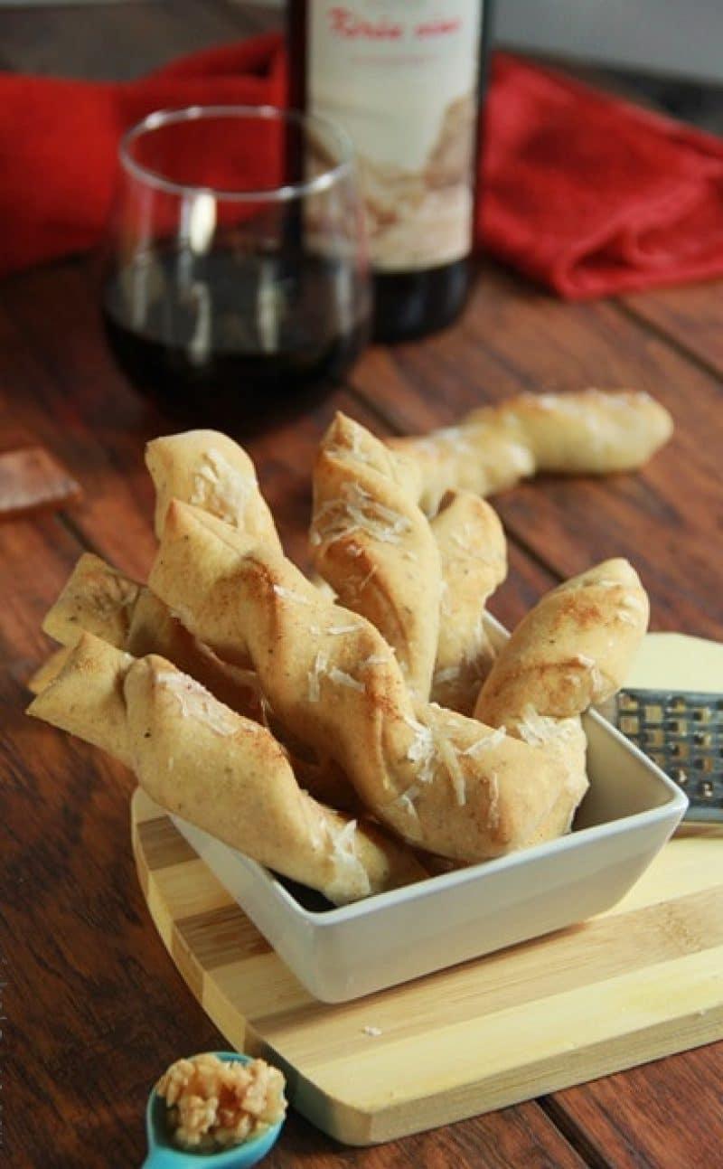 Italian Garlic Bread Twists