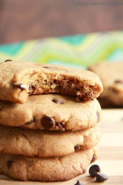 Gluten Free Chocolate Chip Peanut Butter Cookies - Veggiebalance.com