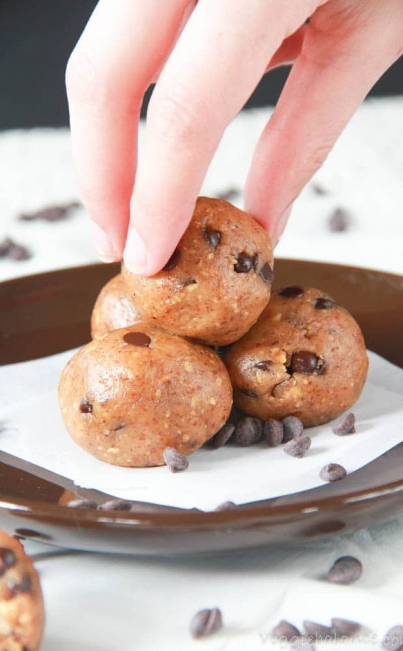 Chocolate Chip Almond Bites