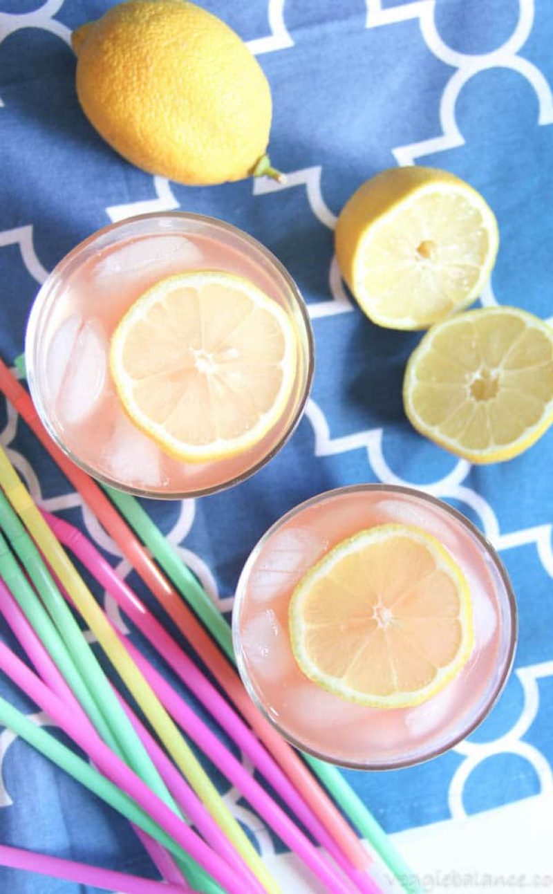 Low-Sugar Strawberry Lemonade