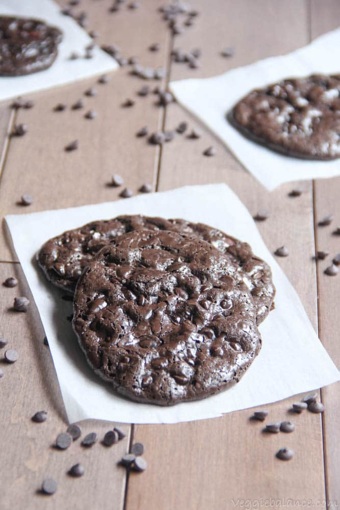 Flourless Double Chocolate Chip Cookies - Veggiebalance.com