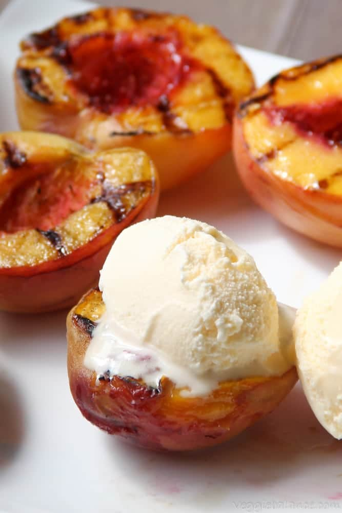 Grilled Peaches with Ice Cream - Veggiebalance.com