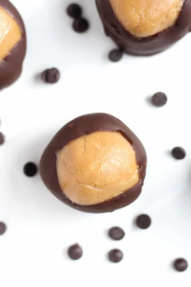 Healthy Buckeye Balls {3-Ingredients} - Veggiebalance.com