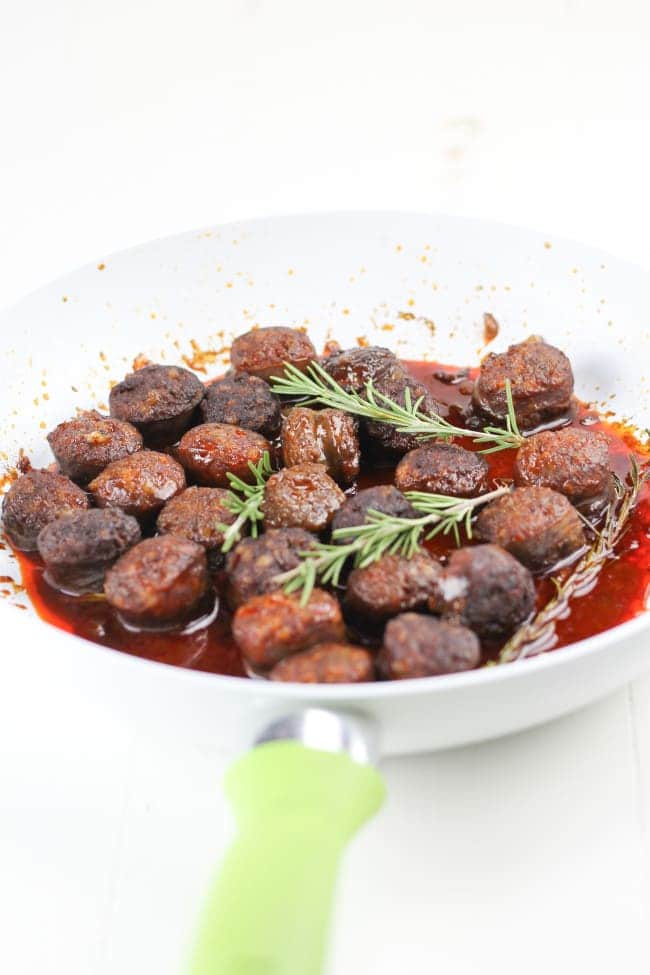 Chorizo in Red Wine with Rosemary - Veggiebalance.com