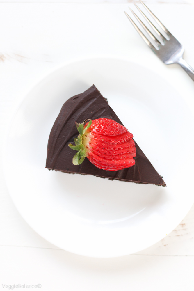 Flourless Chocolate Cake With Strawberries