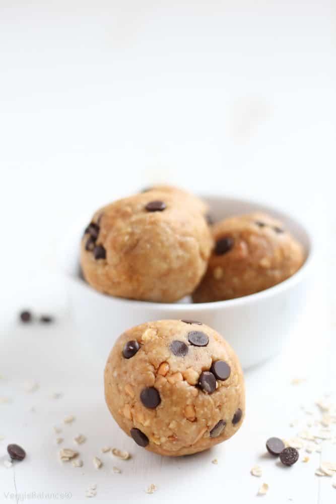 No Bake Energy Bites {Peanut Butter Oatmeal} - Veggiebalance.com