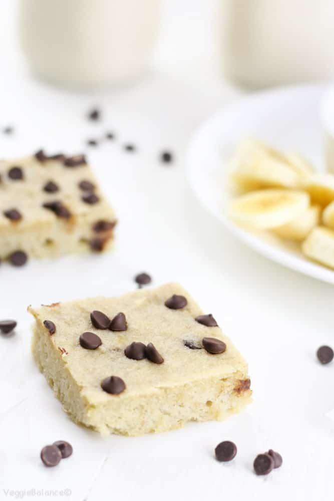 Healthy Banana Bread Breakfast Bars Gluten-Free - Veggiebalance.com