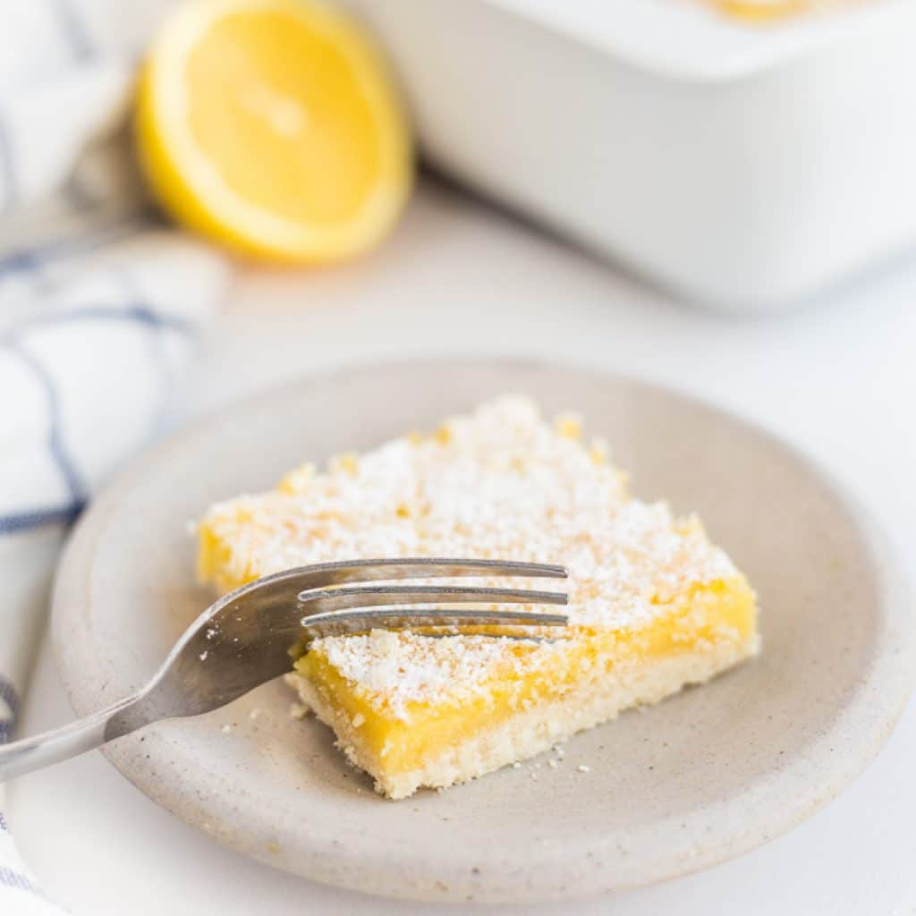 Gluten Free Lemon Bars Recipe (Healthy Lemon Bars)