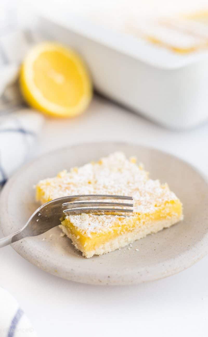 Gluten Free Lemon Bars Recipe (Healthy Lemon Bars)