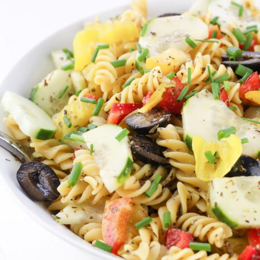 Healthy Italian Pasta Salad (Homemade Italian Dressing)