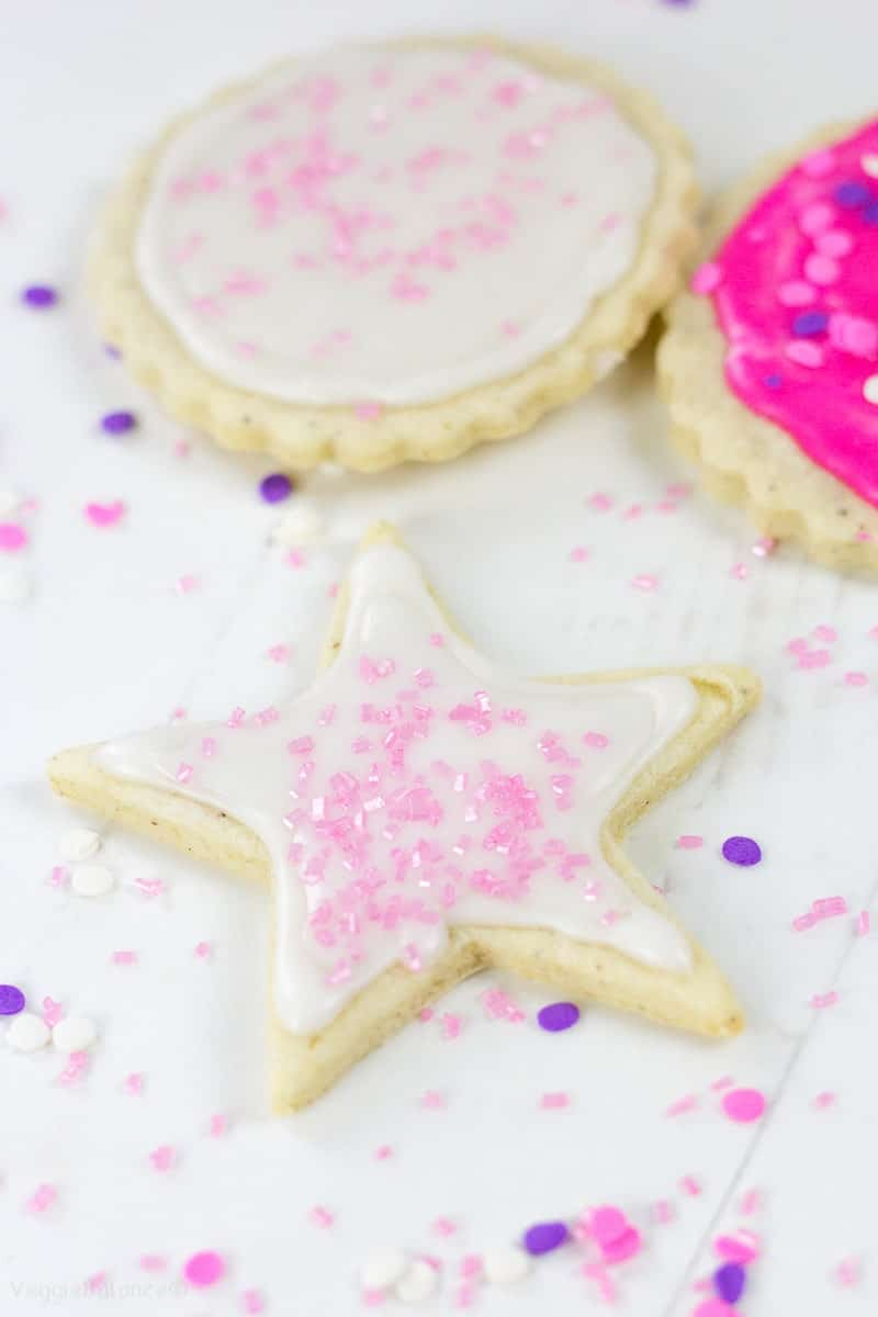 Sugar Cookie Icing for Cut out Cookies - Veggiebalance.com