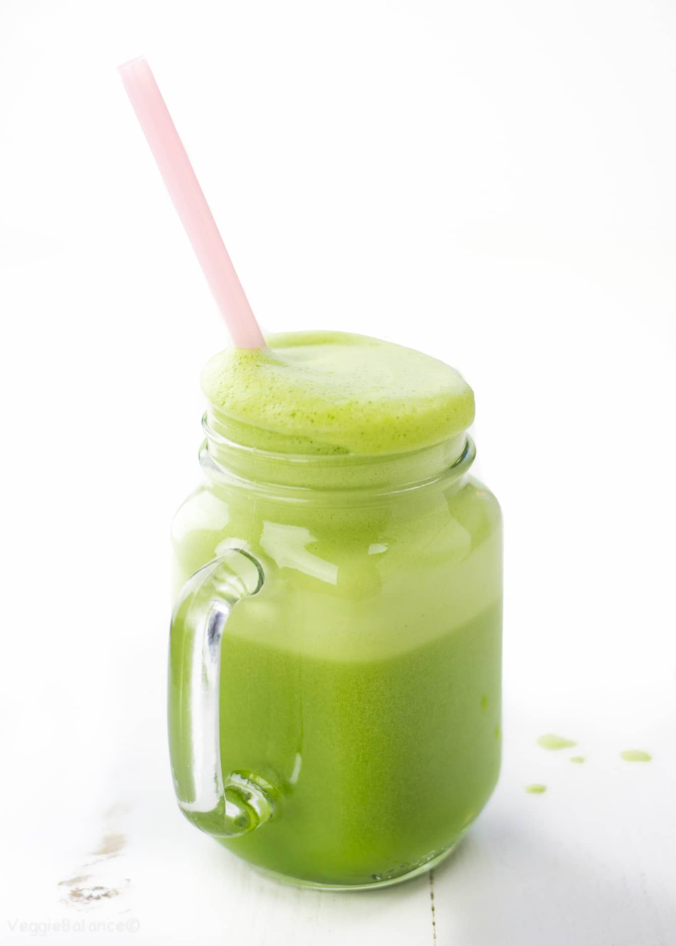 Two Ingredient Green Smoothie - Veggiebalance.com