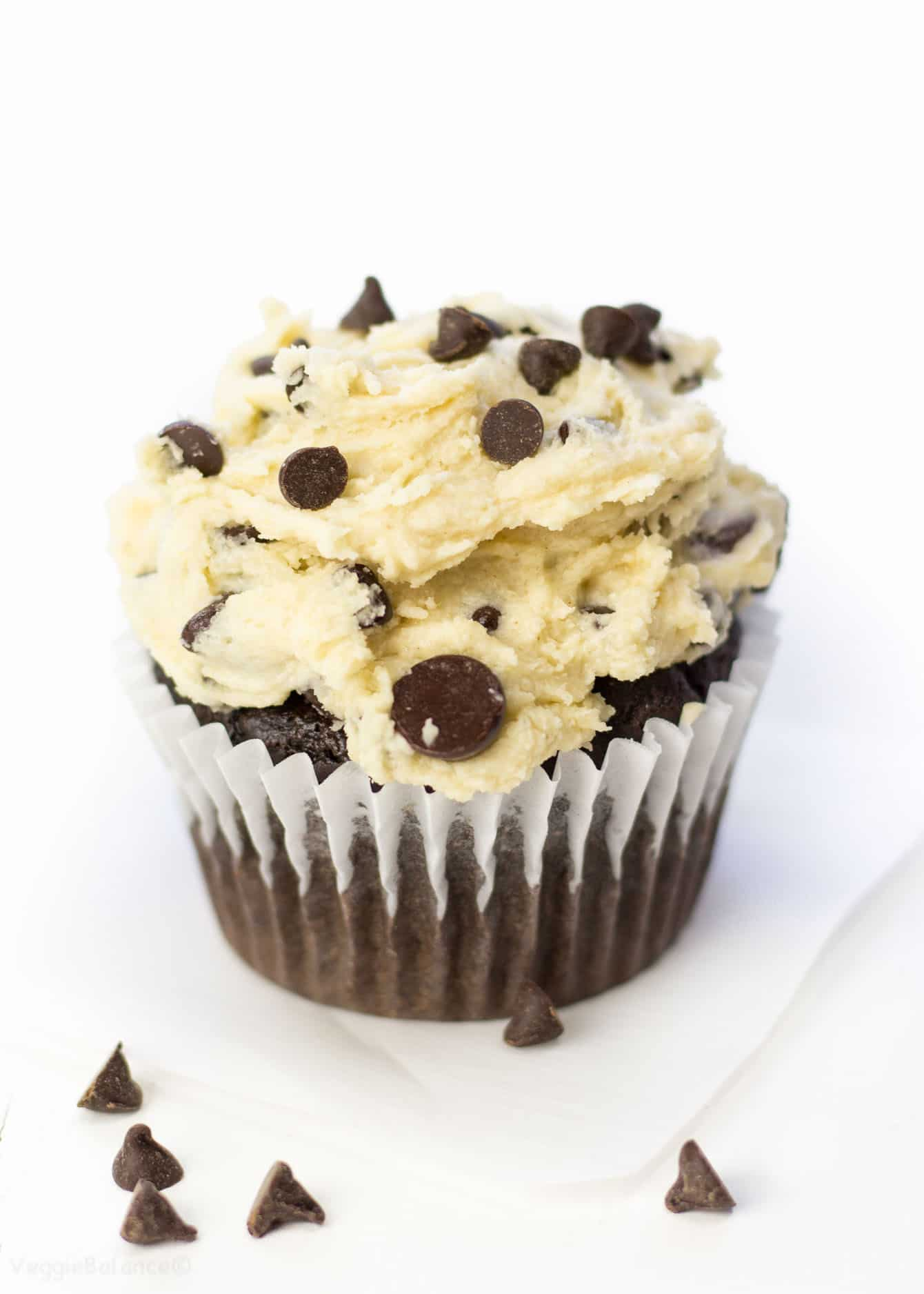 Chocolate Chip Cookie Dough Cupcakes are exactly what I'd like for my birthday, pretty please! Moist gluten free chocolate cake topped with cookie dough frosting. It's a cookie dough lover's dream. (Gluten-free, Dairy-Free, Vegan)