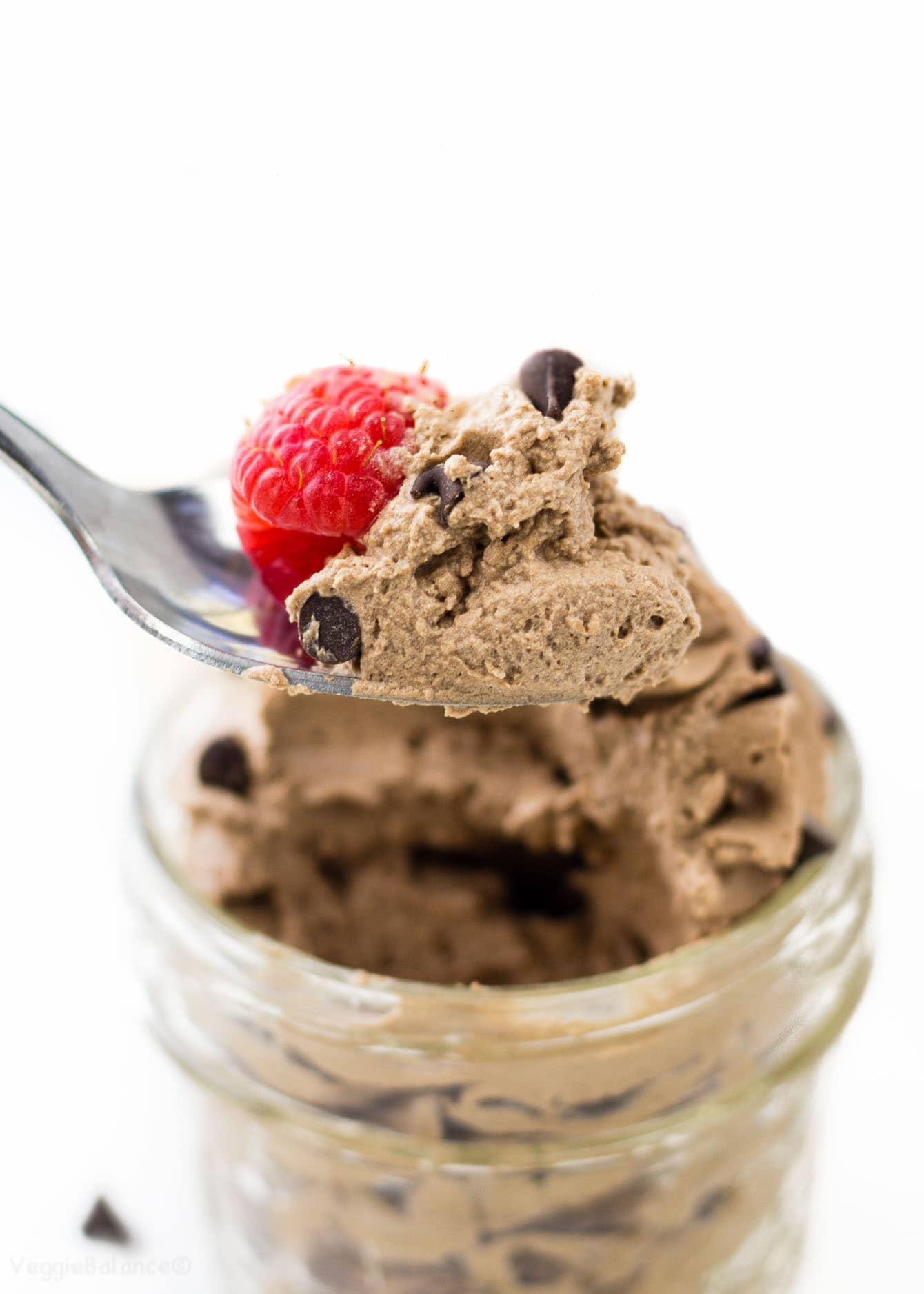 Easy Chocolate Mousse recipe - veggiebalance.com