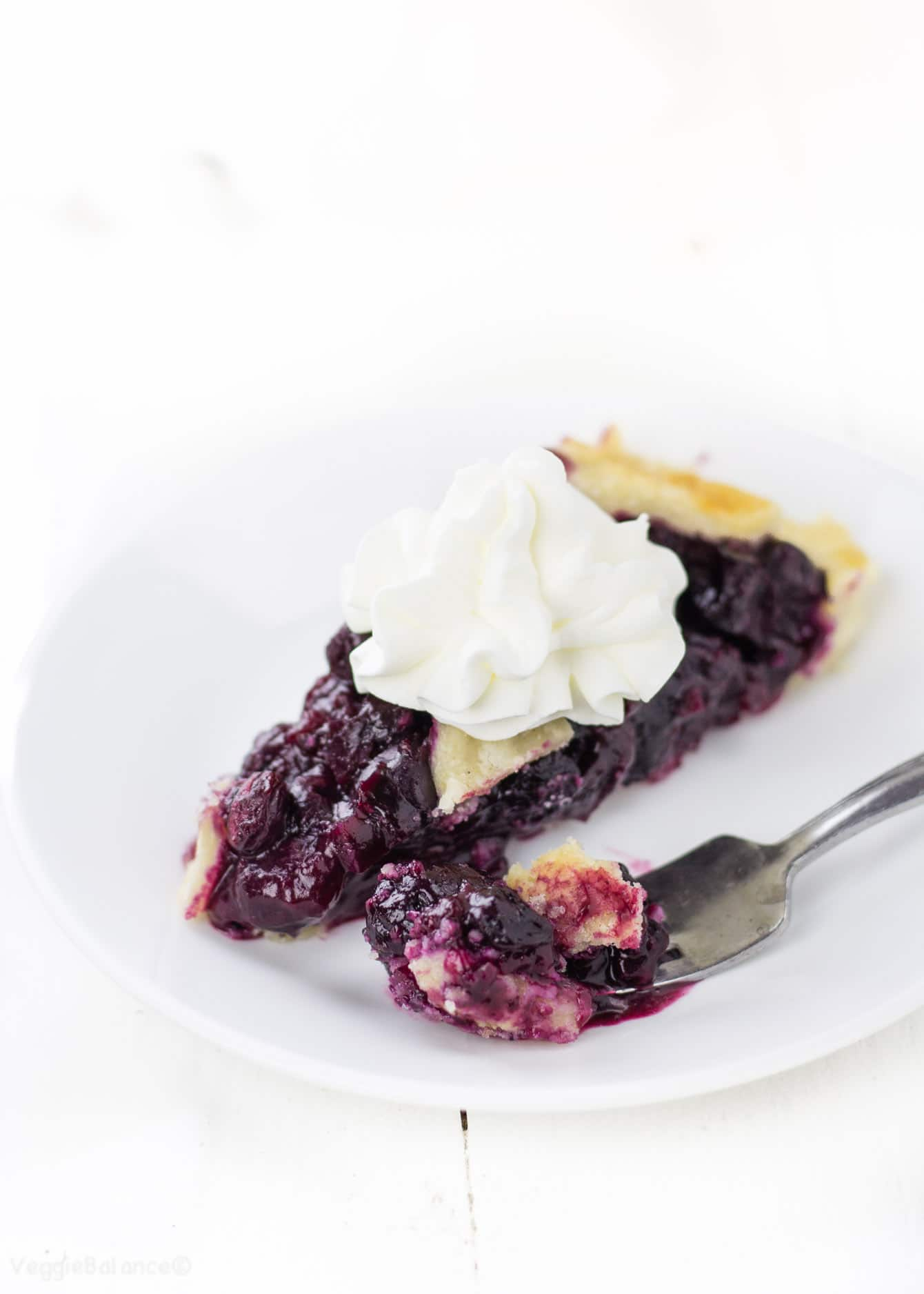 Gluten Free Pie Crust recipe with a Perfect Blueberry Filling - Veggiebalance.com