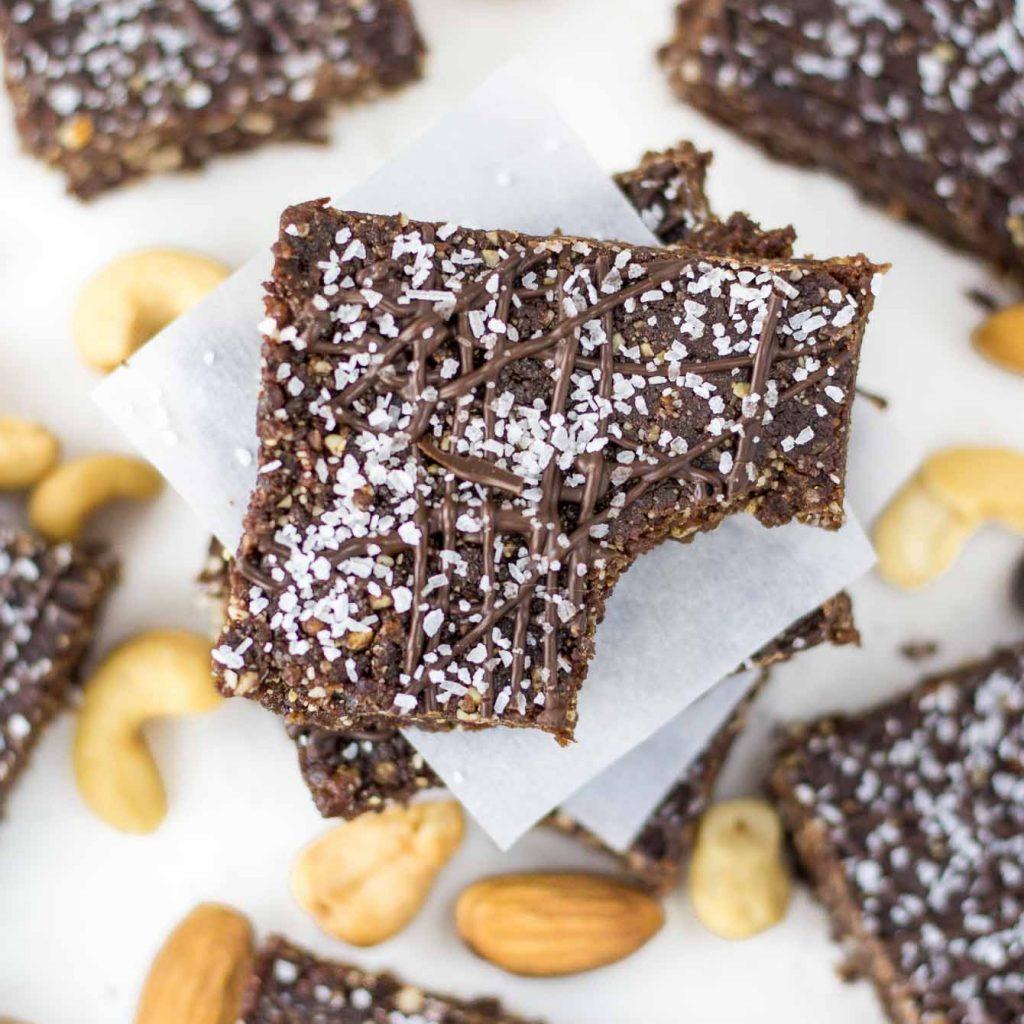 Chocolate Sea Salt Energy Bars (No Bake Bars)