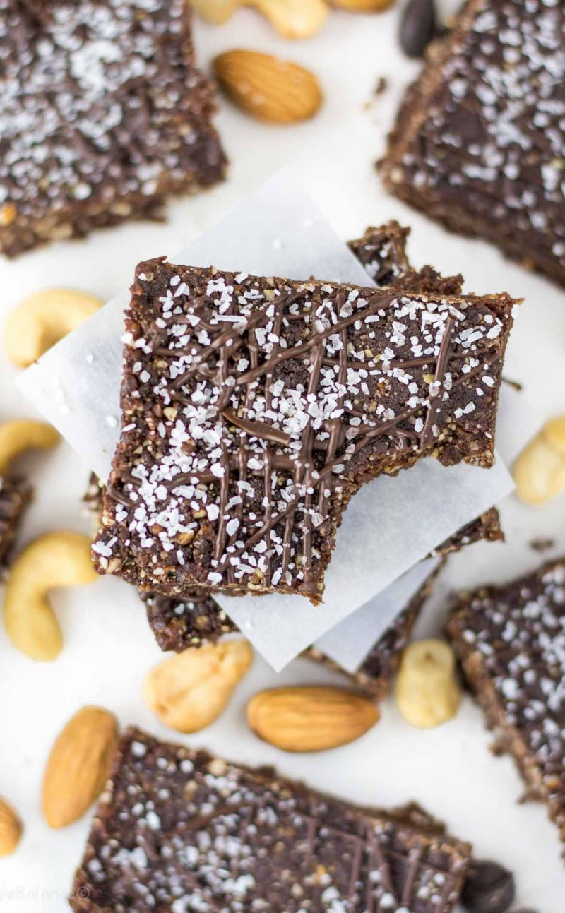 Chocolate Sea Salt Energy Bars (No Bake Bars)
