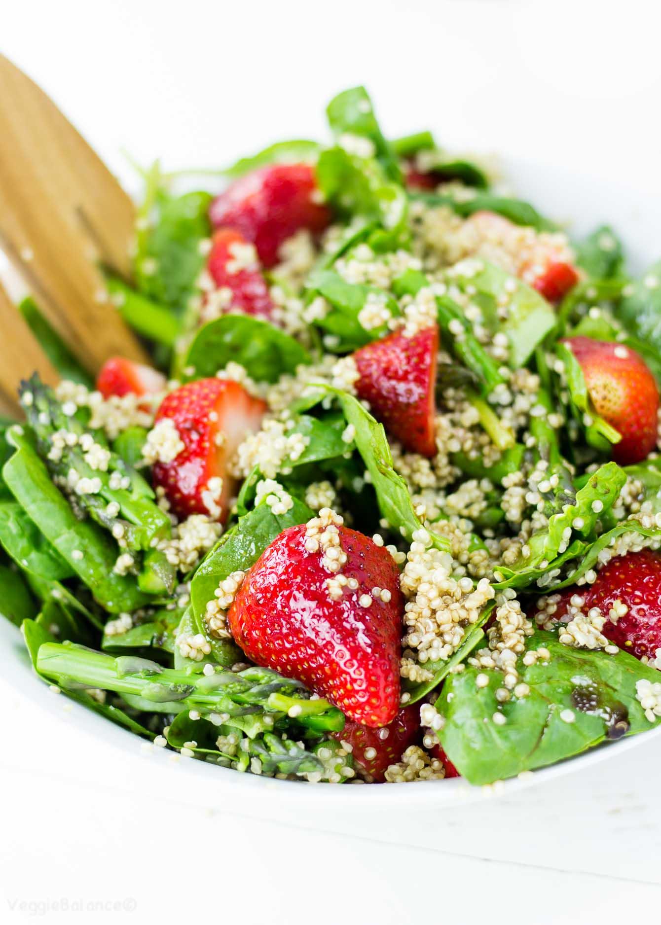 Strawberry Asparagus Quinoa Salad recipe gluten free - Veggiebalance.com
