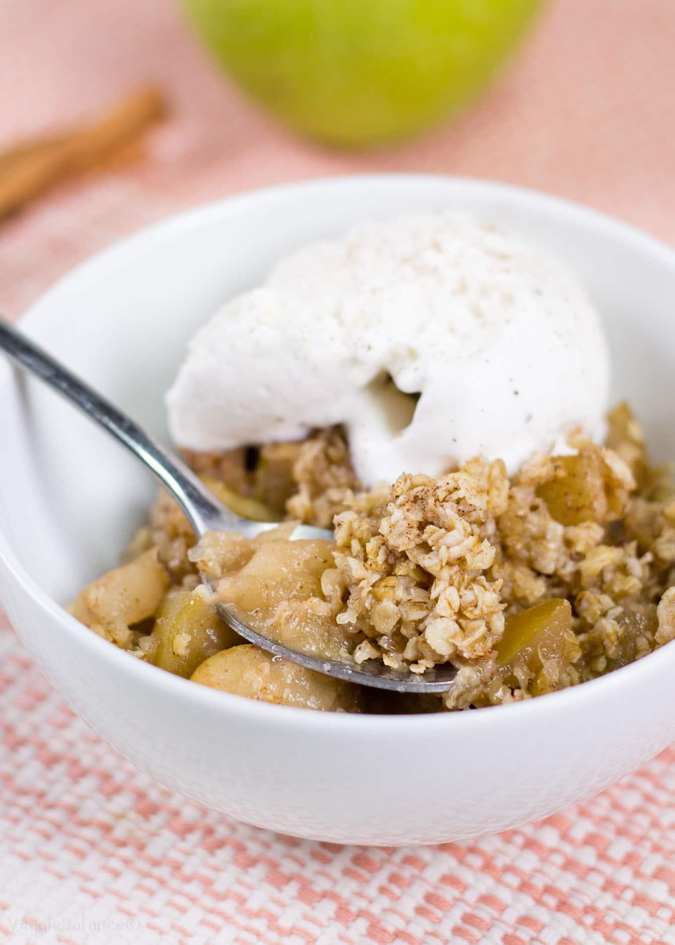 Healthy Apple Crisp Slow Cooker