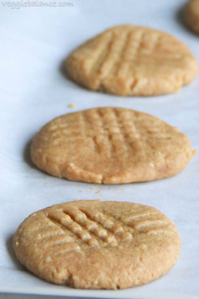 Gluten-Free Peanut Butter Cookies with almond flour
